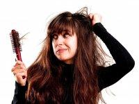 Saç tökülməsi nəyə işarədir?